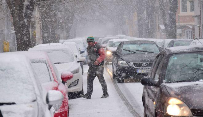 Foto: Viscol puternic şi ninsori, de mâine, la Constanţa
