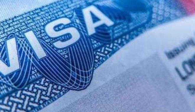 Foto: Comisia Europeană cere SUA să elimine vizele pentru toate ţările UE, inclusiv pentru România