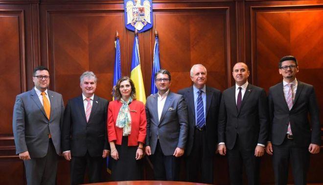 Foto: Edilul Decebal Făgădău, gazdă pentru ambasadorul Republicii Turcia, Füsun Aramaz