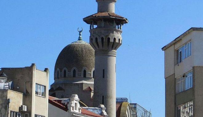 Sunteți în vacanță? Vizitați Marea Moschee din centrul istoric al Constanței! - vizitamoschee-1566209179.jpg