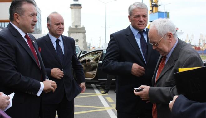 Foto: Donald Harwin - preşedintele Consiliului Legislativ australian a vizitat portul Constanţa