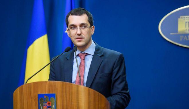 """Reacţia lui Vlad Voiculescu după ce a făcut declaraţii în acelaşi timp cu premierul Cîţu: """"Şi noi ce să facem?"""" - vlad-1618166662.jpg"""