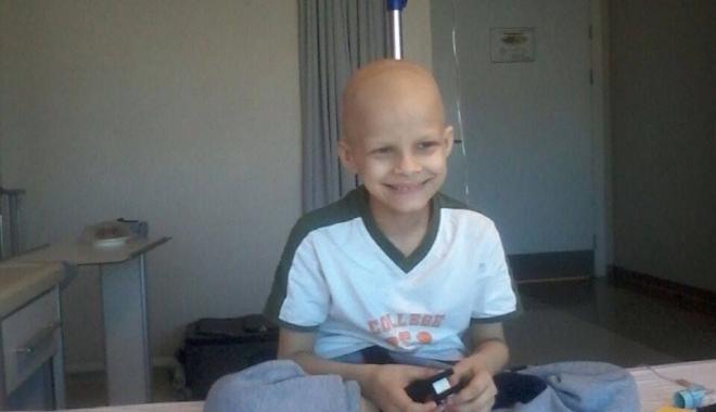 Peste 20.000 de români l-au ajutat pe Vladimir să învingă CANCERUL! - vladimir3-1493709254.jpg