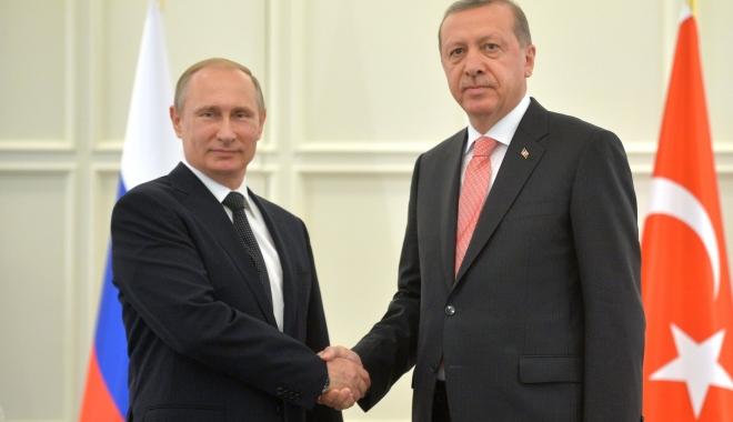 Foto: Putin și Erdogan au vorbit la telefon despre criza siriană