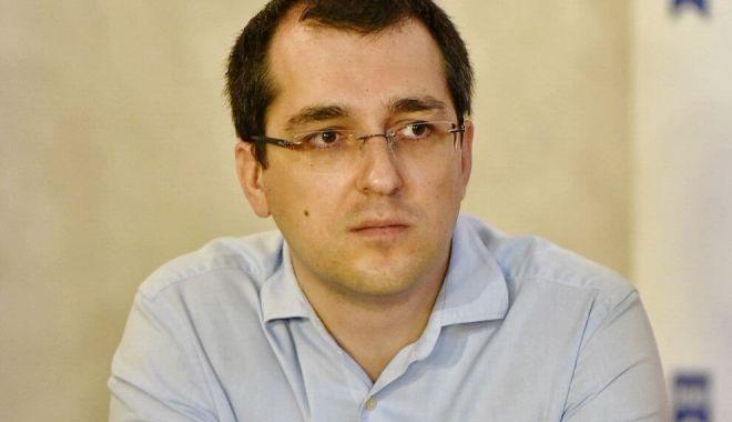 Vlad Voiculescu de la USR-PLUS, critici la adresa premierului României - voiculescuusr-1606851713.jpg