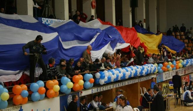 Foto: Tombolă cu premii la meciul de Liga Campionilor CVM Tomis - Fenerbahce!