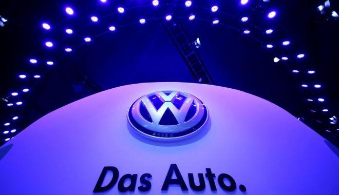 Foto: Volkswagen îşi modifică sigla!