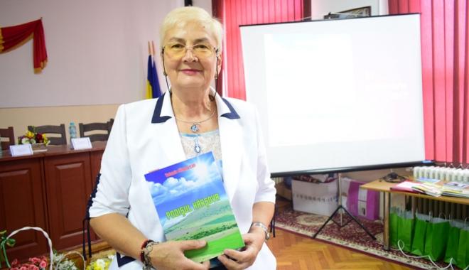 Foto: Zilele Oraşului Hârşova au debutat cu o nouă lansare de carte, marca prof. Volumia Sîngeorzan
