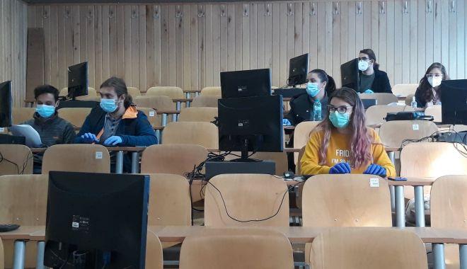 Studenţii, voluntari pe timp de pandemie. Vor avea curajul să ajute şi medicii din spitale? - voluntari3-1605457142.jpg