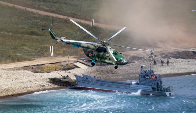 Foto: Vostok-2018. Exerciţii militare ale armatei ruse  în Marea Japoniei