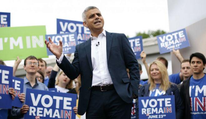 """Foto: Primarul Londrei se declară """"dezamăgit"""" că Theresa May nu a fost demisă şi cere un nou referendum"""