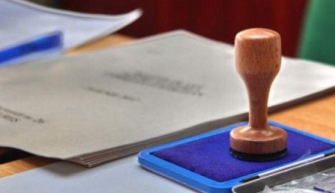 Foto: Dosar penal pentru compania de turism care a organizat un concurs pentru a încuraja mersul la vot