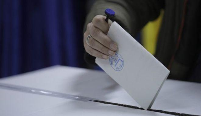 Foto: Câți români au ieșit la vot. Situația la ora 21.00