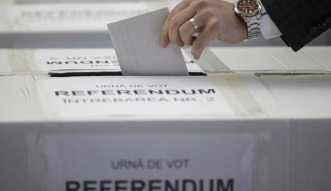 Foto: Prezența la referendum a atins pragul de validare: 30%