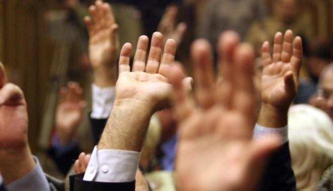 Parlamentul A RESPINS cererea preşedintelui Iohannis de a reexamina legea bugetului de stat - vot13680056141550132327-1552482731.jpg