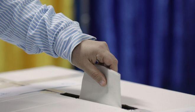Foto: MAI: 17 sesizări de posibile incidente electorale de la deschiderea secțiilor de votare