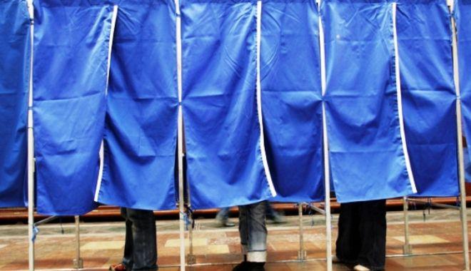 Foto: BEC: Peste 128.000 de persoane au votat în toată ţara până acum