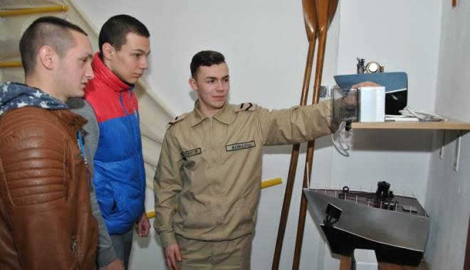 """Foto: Vrei să devii militar? Participă la programul """"O zi în şcoala militară"""""""