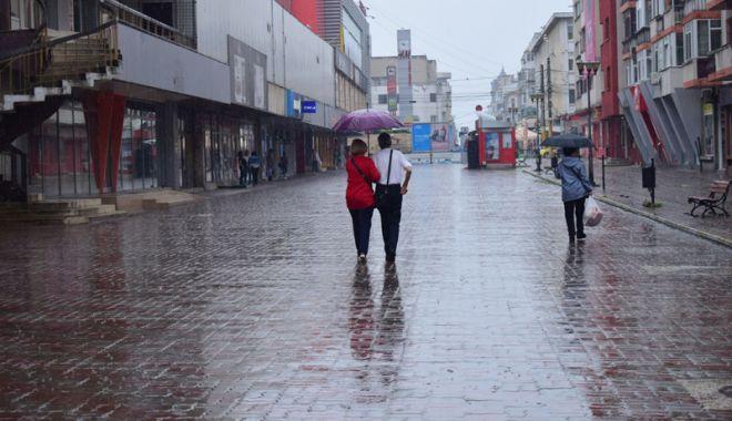 Foto: Vreme instabilă, la Constanţa