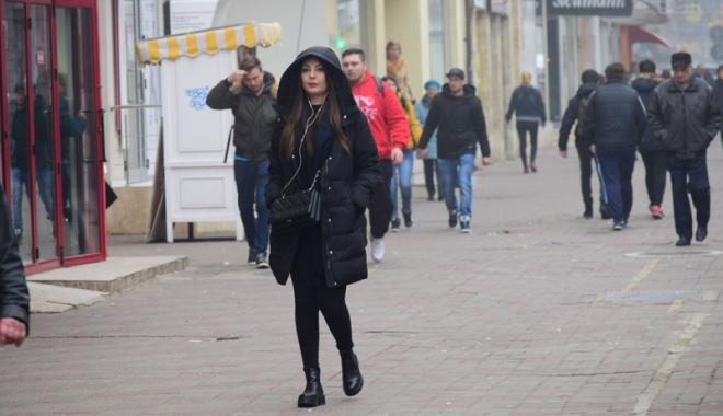 Foto: Vreme rece, săptămâna aceasta,  la Constanţa. De mâine vin ploile