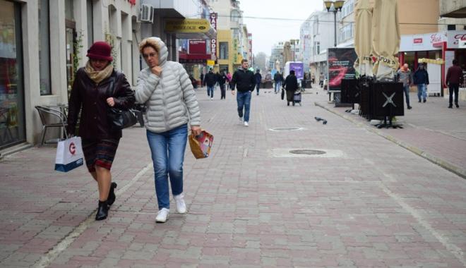 Foto: Vreme rece  la Constanţa.  Spre week-end  se mai încălzeşte