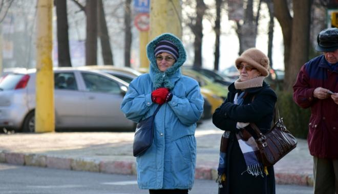 Foto: Vreme foarte rece şi instabilă, la Constanţa