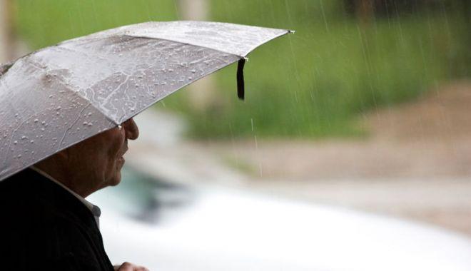 Foto: PROGNOZA METEO. Vremea devine instabilă în toată ţara. ANM anunţă ploi şi descărcări electrice!
