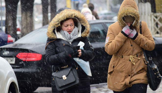 Foto: Lapoviţă şi ninsoare, astăzi, la Constanţa
