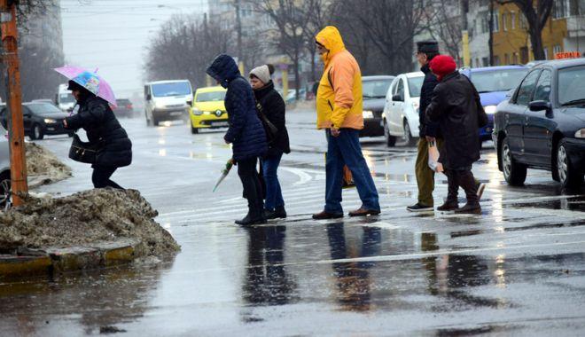 Foto: Ploi torenţiale, astăzi, la Constanţa