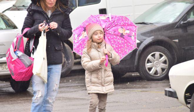 Foto: Ploi multe, la Constanţa