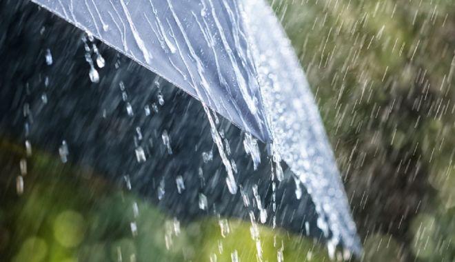 Foto: Ploaie şi astăzi, la Constanţa