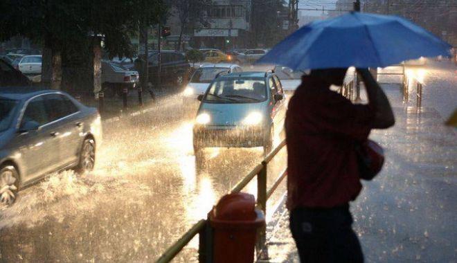 Foto: PROGNOZA METEO 18 - 31 MARTIE. Vremea se răceşte în toată ţara şi revin ploile