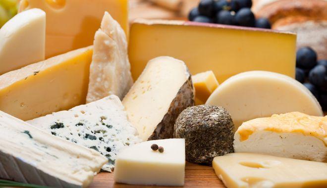 Foto: Vreți să preveniți cancerul la ficat? Mâncați brânză!