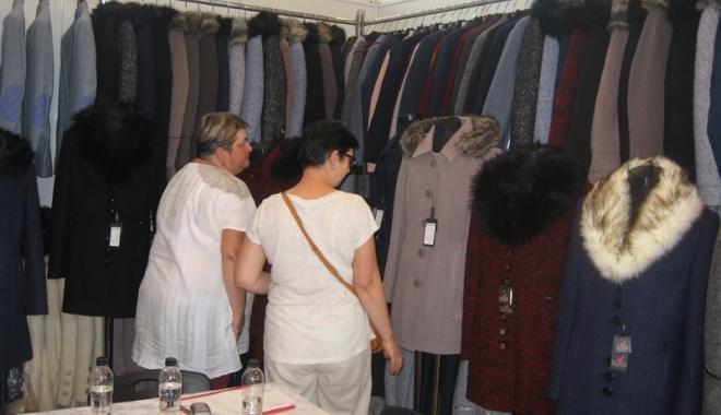Vreţi să vă îmbrăcaţi româneşte, de calitate? Vizitaţi Târgul TINIMTEX din Mamaia! - vretisatinimtex4-1505926126.jpg