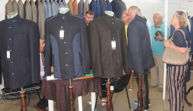 Vreţi să vă îmbrăcaţi româneşte, de calitate? Vizitaţi Târgul TINIMTEX din Mamaia! - vretisatinimtex7-1505926145.jpg