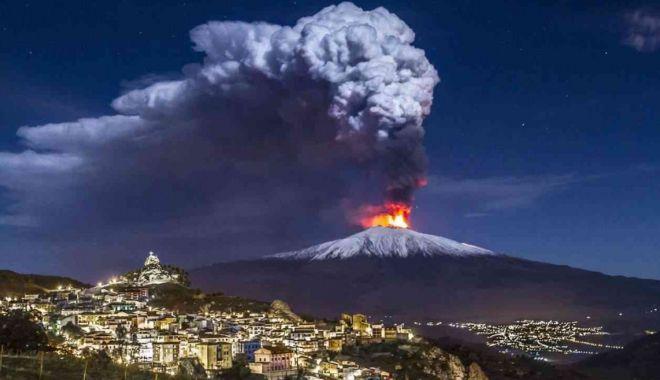 """Vulcanul Etna a erupt pentru a șaptea oară în două săptămâni. """"A fost foarte intensă"""" - vulcan-1614669020.jpg"""