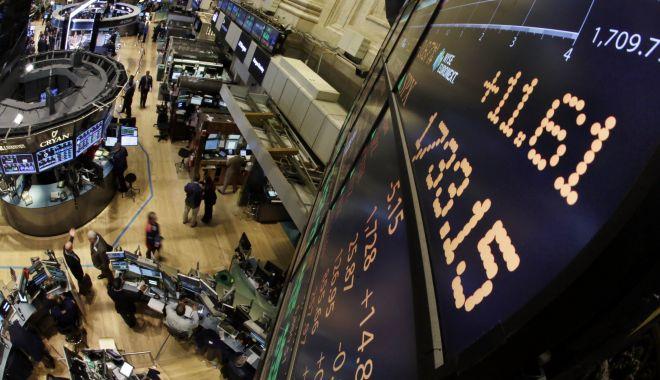 Foto: Panică pe Wall Street. Cea mai mare prăbușire a Dow Jones