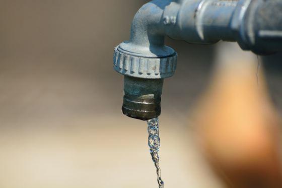 Foto: Lucrări RAJA. O parte din localitatea Murfatlar, fără apă rece până diseară