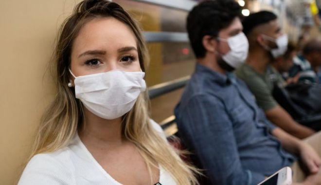 Florin Cîţu: Nu trebuie să ne relaxăm, trebuie să purtăm mască în spaţiul public, de fiecare dată - wearingmasksonatrain2-1615039207.jpg