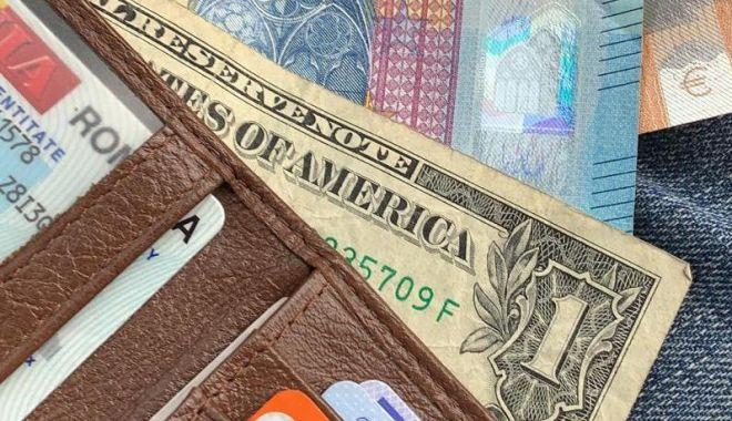 Foto: Cum şi-a recuperat un tânăr din Constanţa portofelul pe care l-a pierdut