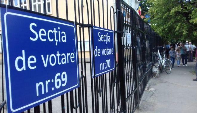 Foto: Alegeri prezidențiale. Prezența la vot la ora 14,00. Situația la Constanța