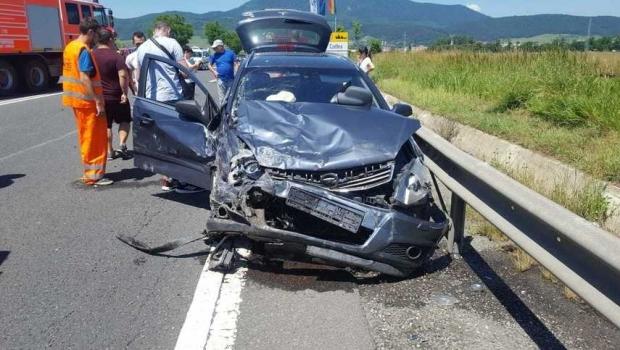 Foto: Accident pe DN1. Şase persoane, între care şi doi copii, au fost rănite