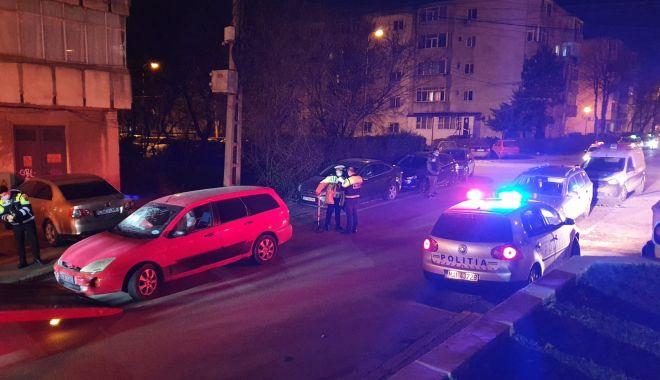 10 autoturisme avariate în Constanța din cauza unui șofer fără permis - whatsappimage20210226at210054-1614366728.jpg