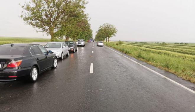 GALERIE FOTO / Probleme în județ din cauza ploilor. Inundații și trafic blocat pe mai multe șosele - whatsappimage20210612at0430392-1623497992.jpg