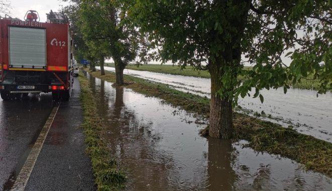 GALERIE FOTO / Probleme în județ din cauza ploilor. Inundații și trafic blocat pe mai multe șosele - whatsappimage20210612at0430393-1623497948.jpg