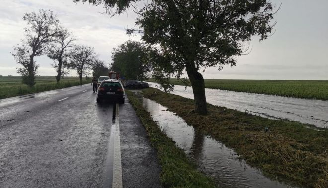 GALERIE FOTO / Probleme în județ din cauza ploilor. Inundații și trafic blocat pe mai multe șosele - whatsappimage20210612at0430394-1623497980.jpg
