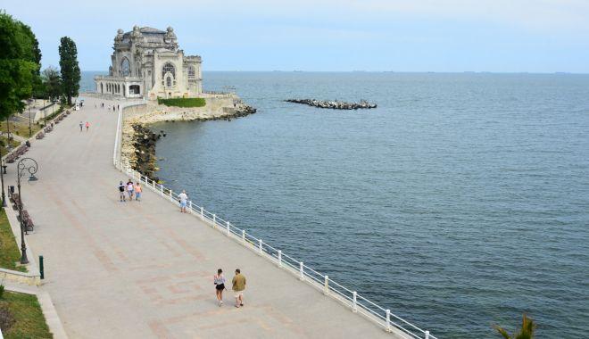 Foto: Wi-Fi gratuit pe faleza Cazinoului pentru constănțeni şi turiști