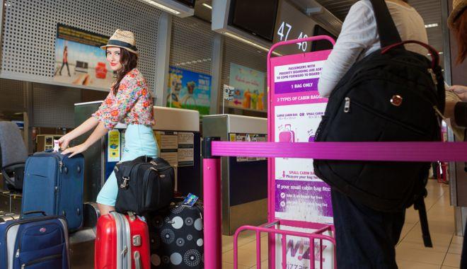 De astăzi, noi reguli pentru bagaje la Wizz Air şi Ryanair. Ce genţi mai puteţi lua în cabină