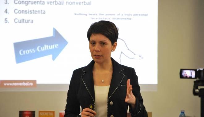 Foto: Lansare de carte şi workshop despre descoperirea de sine, la Constanţa