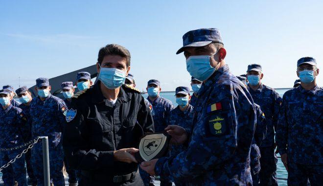 """Vizită importantă la bordul dragorului maritim """"Lt. Lupu Dinescu"""" - xdragordinescu2-1634041806.jpg"""